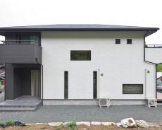 家事動線を意識したシンプルモダンハウス